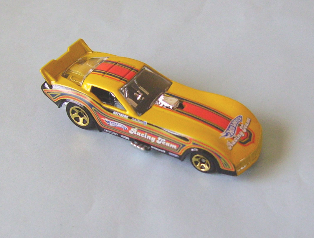 Cars colored yellow - Car 77 Corvette Funny Car Color Yellow W Racing Graphics Wheels Gold 5 Spoke Sealed Loose Loose Notes Walmart Exclusive